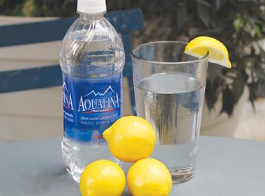 Nước uống tinh khiết Aquafina quận 5